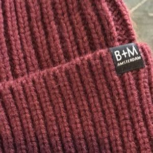Bickley + Mitchell Cuff Beanie NWT Wine